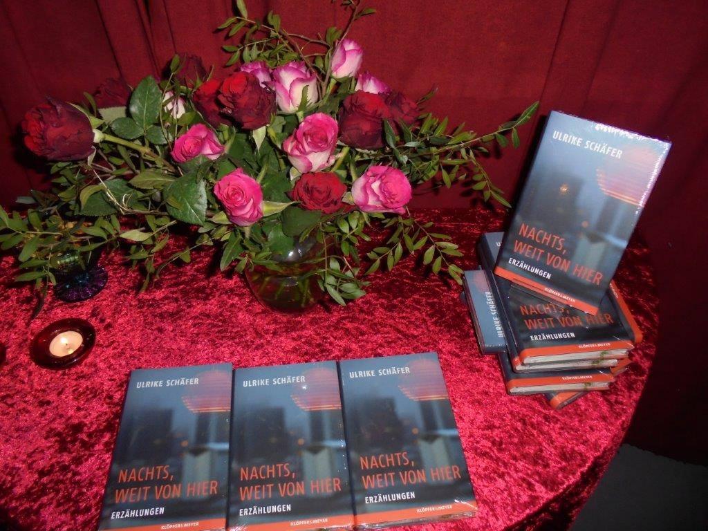 Bücher und Rosen