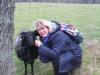 Hella Annecke, mit einem sehr anhänglichen jungen Heidschnuckerich